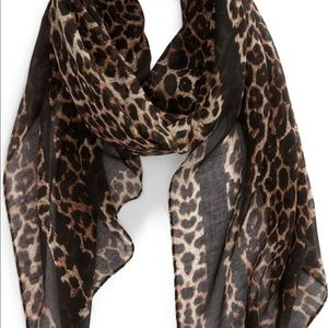 📍NWT📍BP by Nordstrom Leopard print scarf